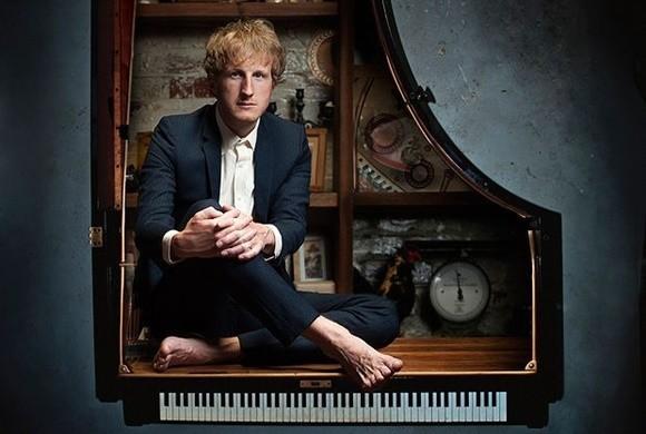 英伦多媒体音乐故事会《钢琴解剖课》