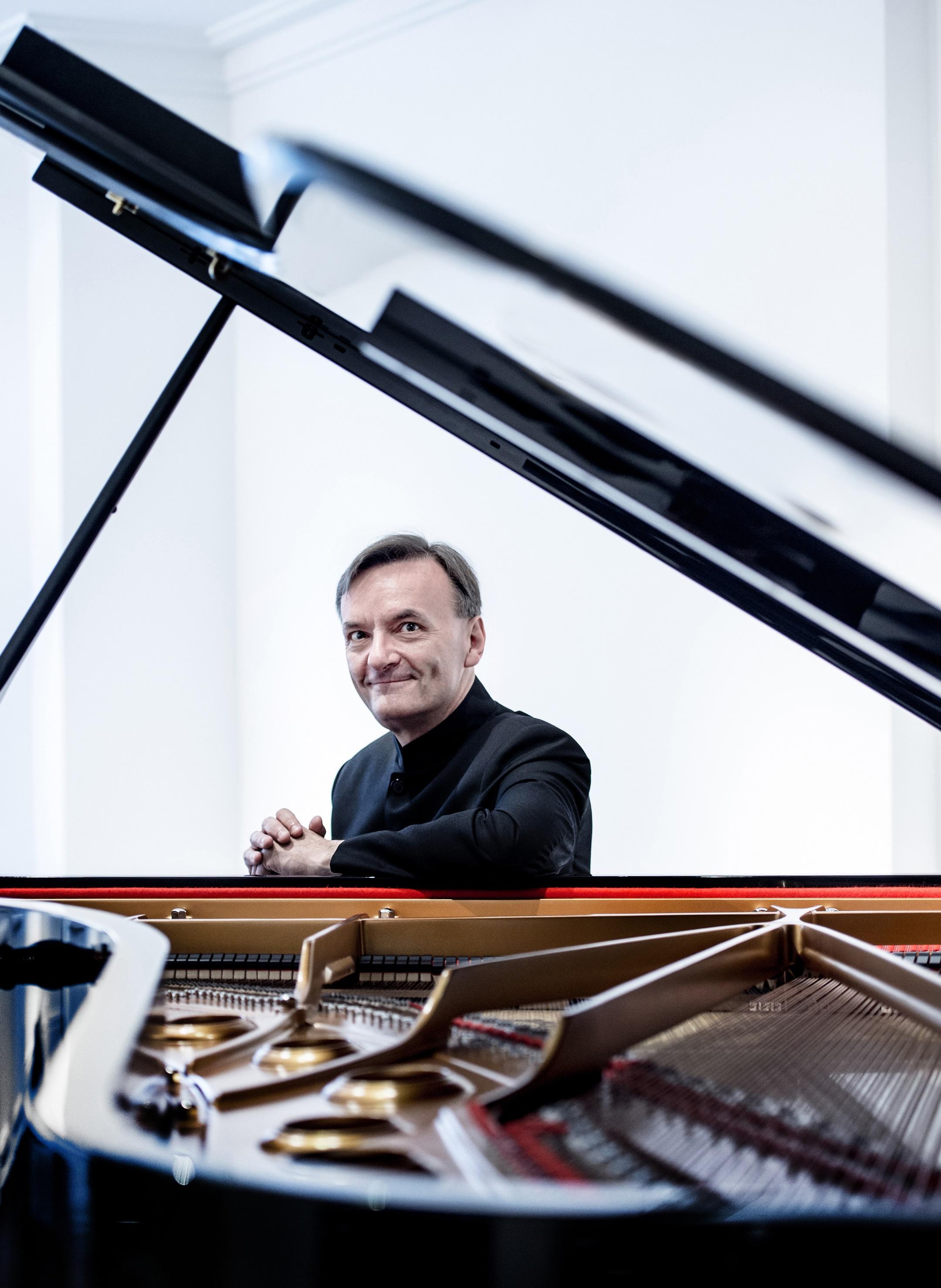 【XSO2020樂季】斯蒂芬·霍夫——貝多芬《第四鋼琴協奏曲》與舒伯特《第九交響曲》